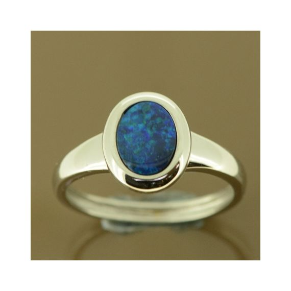 Ladies 14ct white gold doublet opal ring