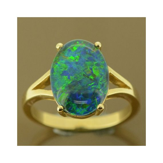 Ladies 9ct yellow gold triplet opal ring