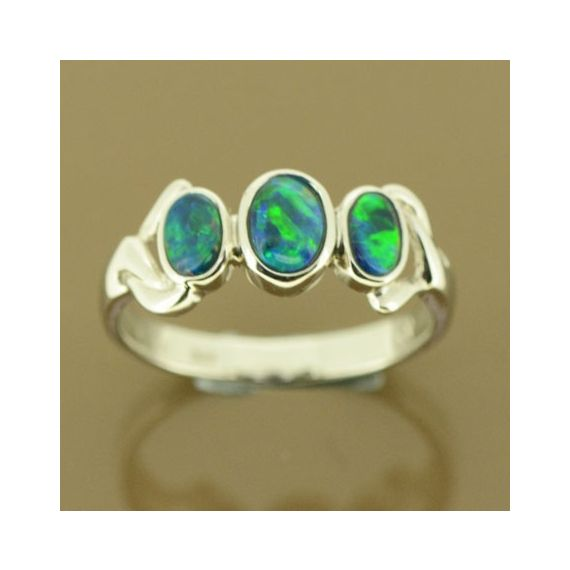 14ct white gold doublet opal ring with 3 opals