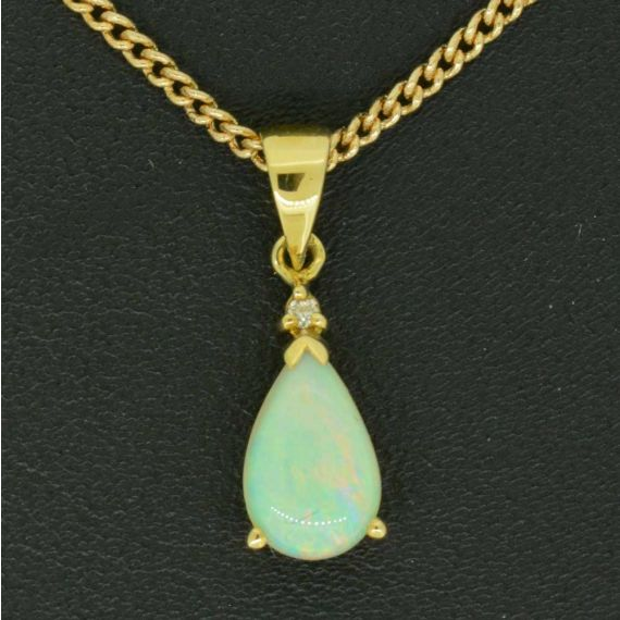 18ct Yellow Gold Solid Opal Tear Drop Shaped Pendant