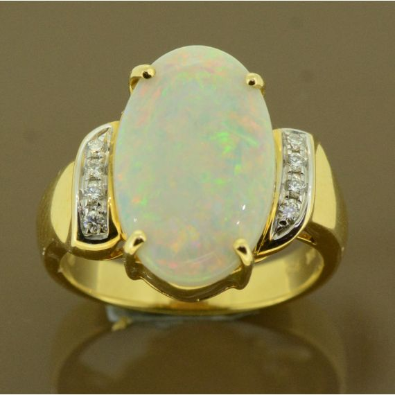 Solid  18ct Yellow Gold Opal and Diamond Ring