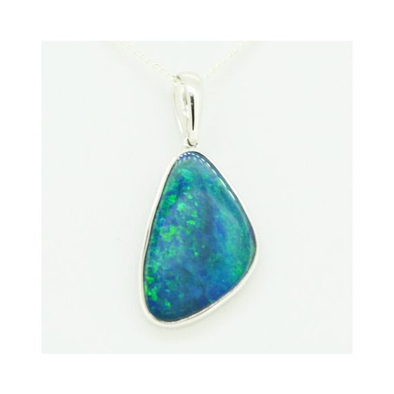 Simple setting doublet opal pendant set in sterling silver