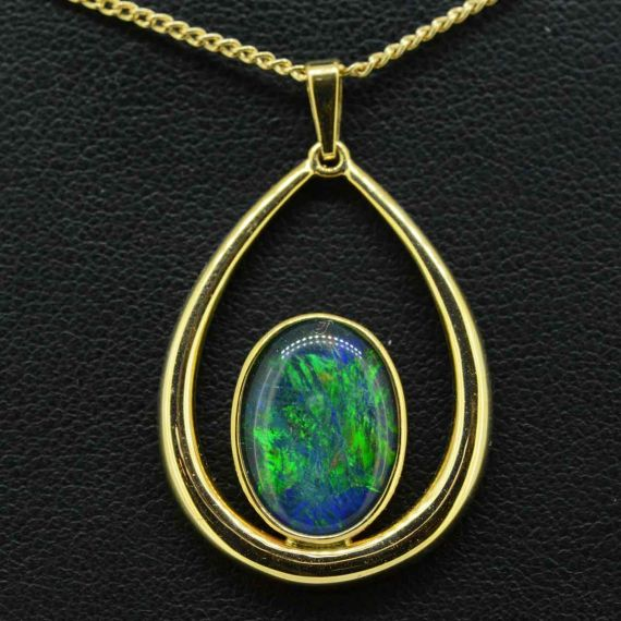 Triplet opal pendant set in 9ct gold 14mmx10mm