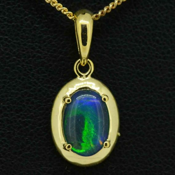 Triplet opal pendant set in 9ct gold 10mmx7mm