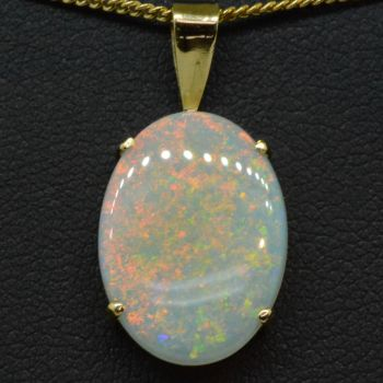 14ct Yellow Gold Solid Crystal Opal Pendant