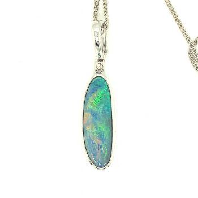 14ct White Gold Doublet Opal Pendant (24x8mm)