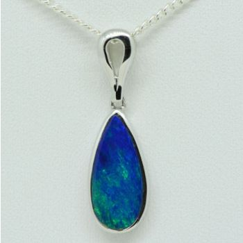 14ct White Gold Doublet Opal Pendant