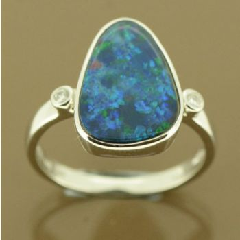14ct white gold doublet opal ring with 2 diamonds