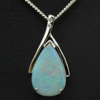 14ct white gold solid opal pendant (18mm x 11mm)