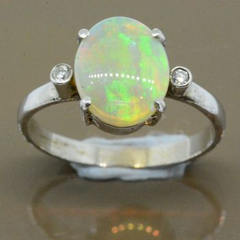 14ct white gold opal ring