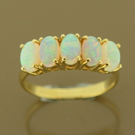 18ct yellow gold solid opal ring