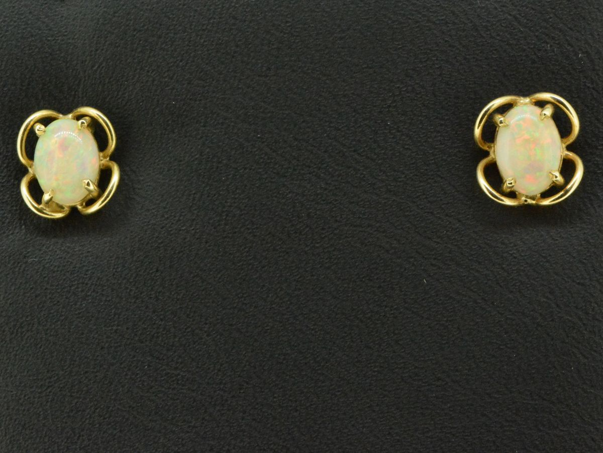 9ct Yellow Gold Solid Opal Earrings (7x5)