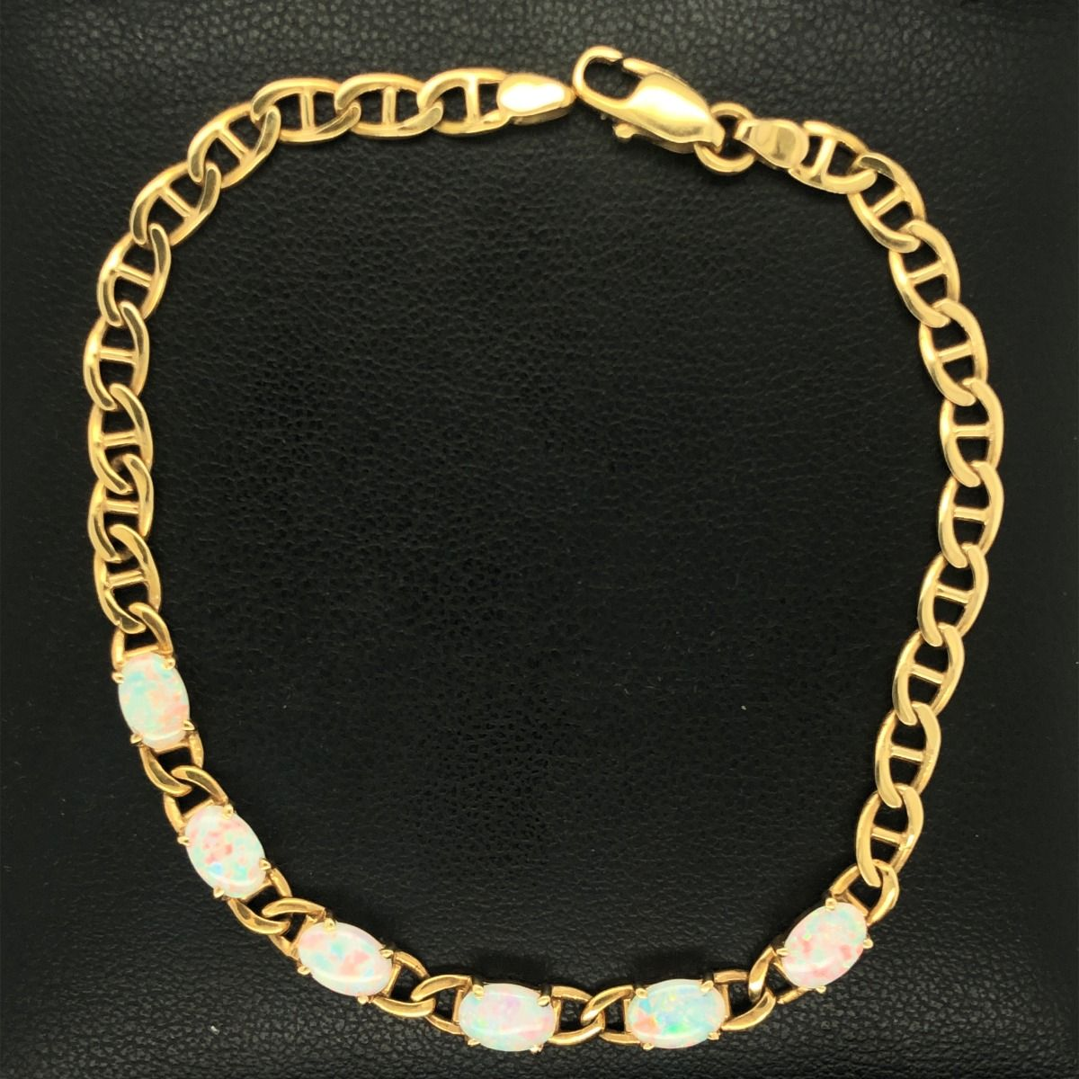 18ct Yellow Gold Solid Opal Bracelet (6x4)