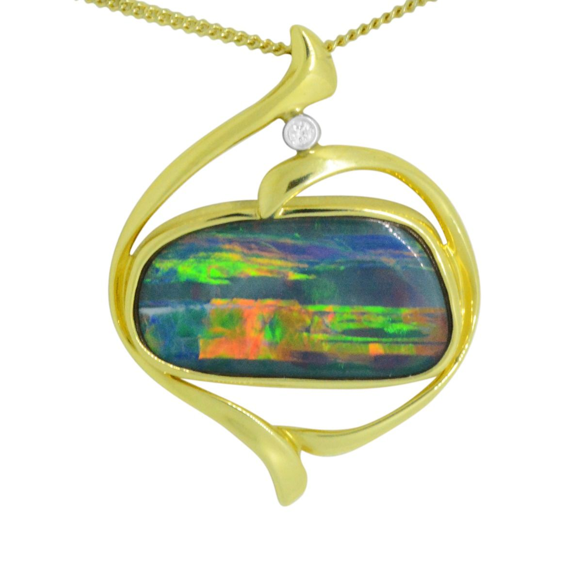 14ct yellow gold doublet opal pendant (24mmx16mm)