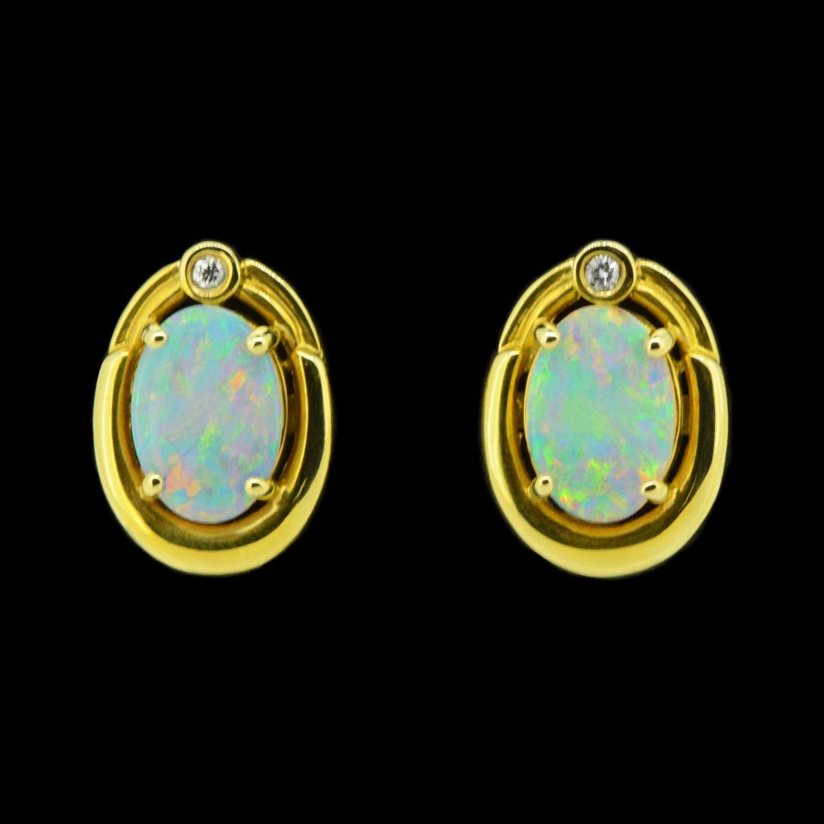 18ct Yellow Gold Solid Crystal Opal Earrings