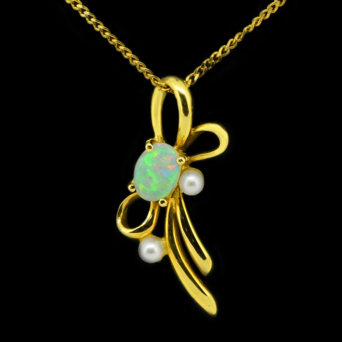 18ct Yellow Gold Solid Crystal Opal with Pearl Accents