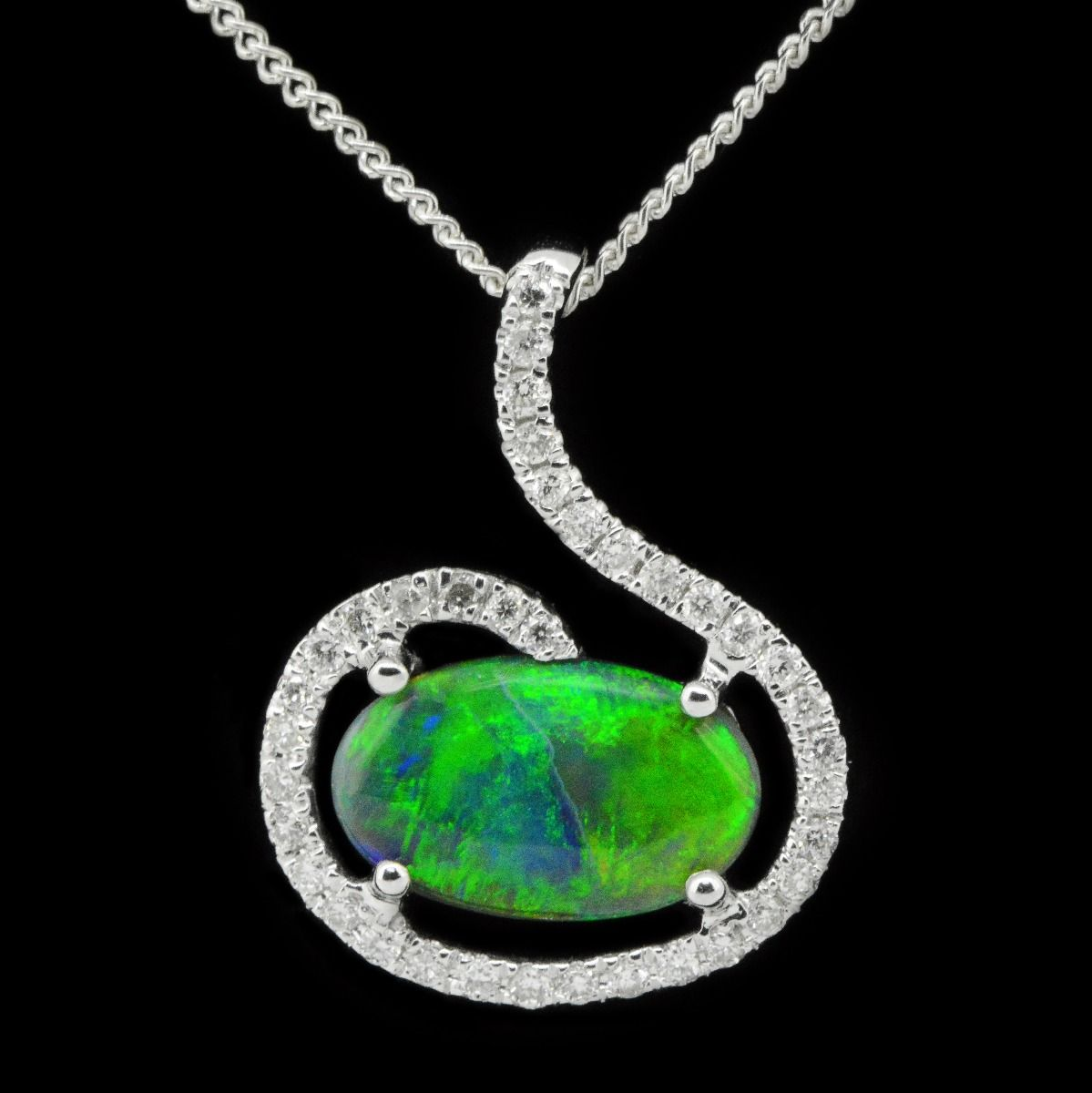 18ct white gold black opal pendant (10mmx6mm)