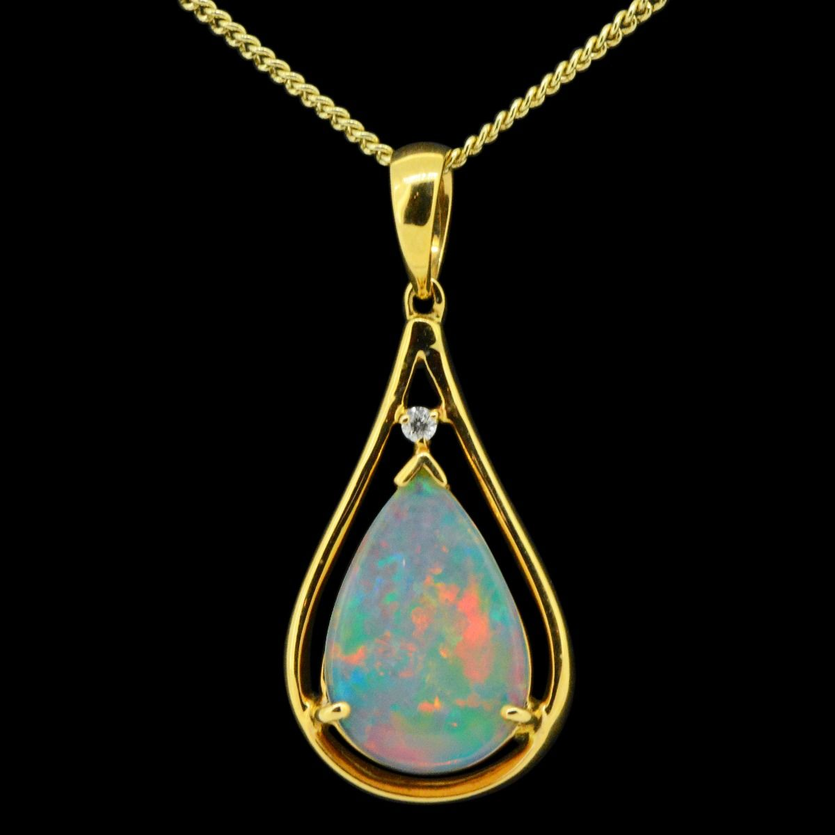 14ct yellow gold solid opal pendant (16mmx10mm)