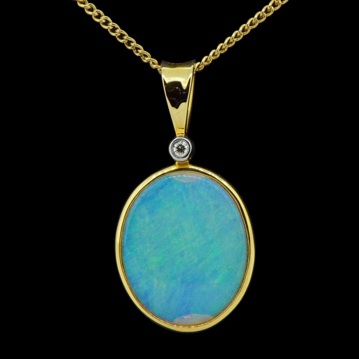 14ct yellow gold solid crystal opal pendant (17mmx14mm)