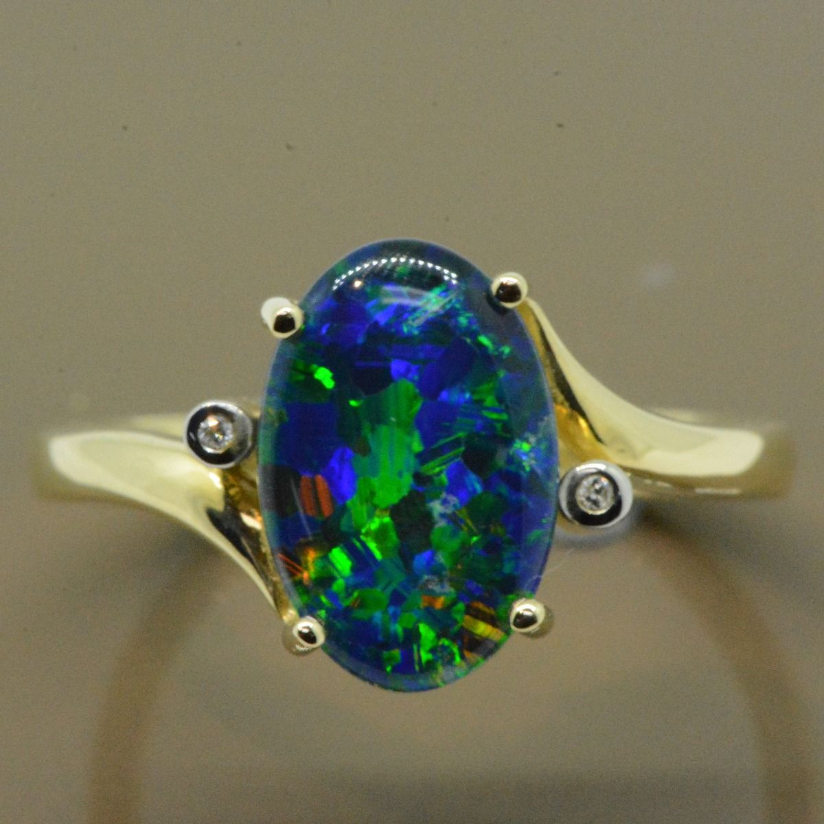 Yellow Gold 9ct Triplet Opal Ring