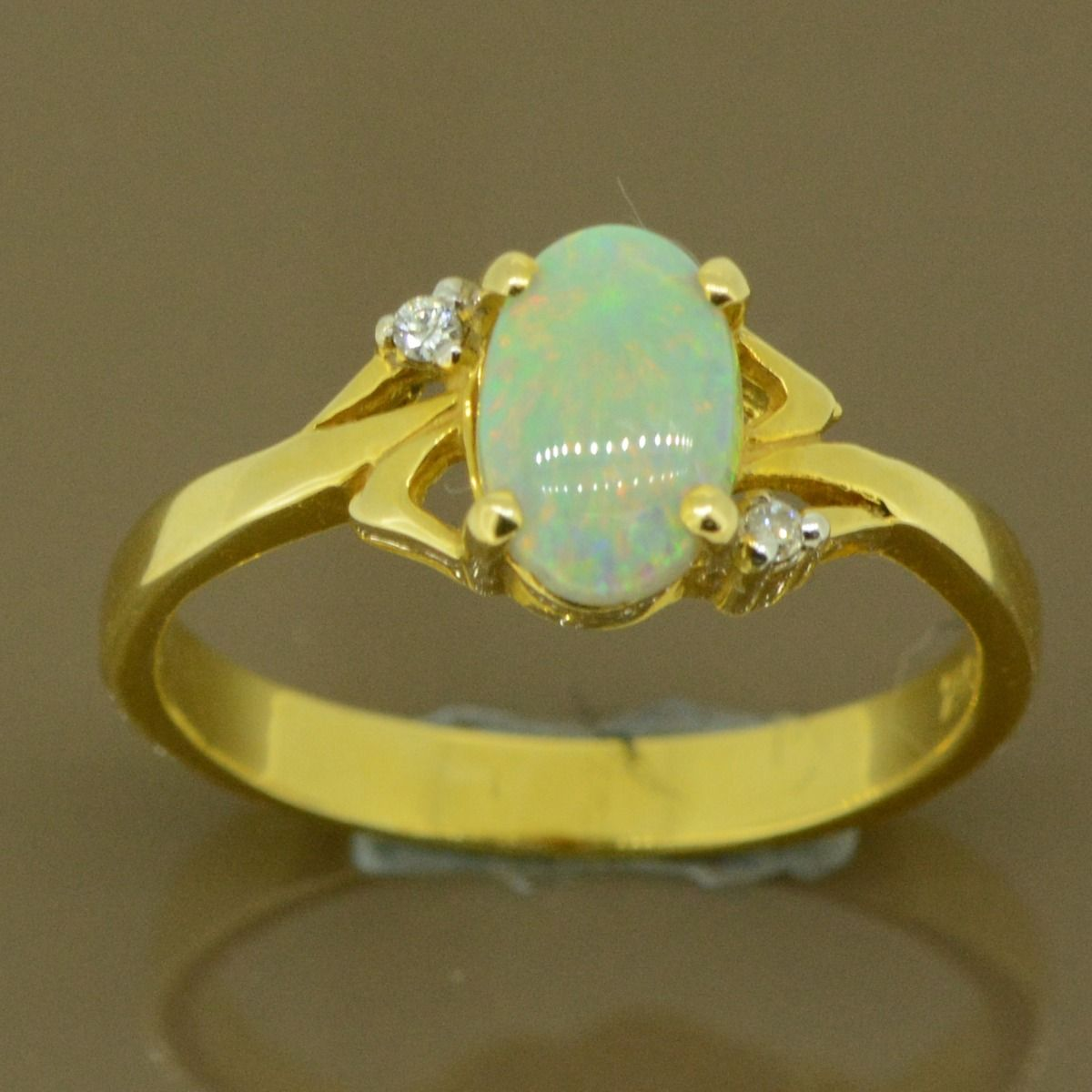 18ct Yellow Gold Solid Opal Ring Set with 2 Brilliant Cut Diamonds