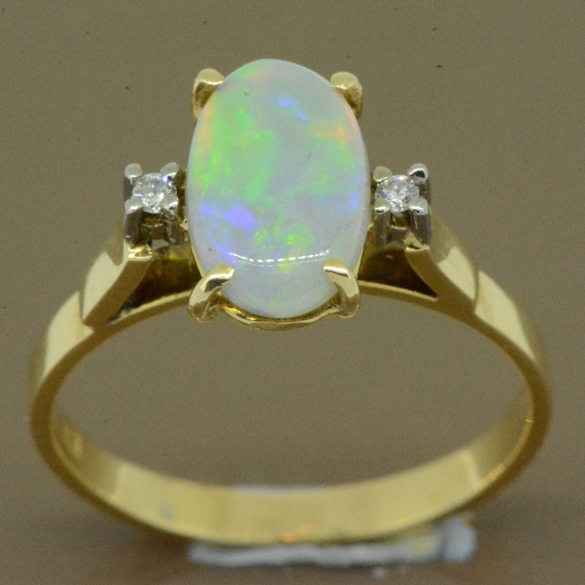 14ct yellow gold solid opal ring (10x6)