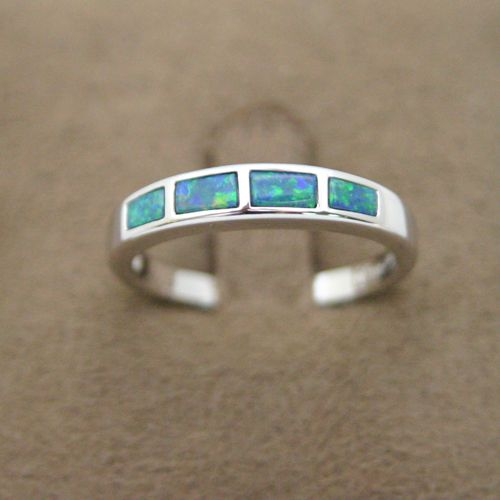 14ct white gold inlaid opal ring