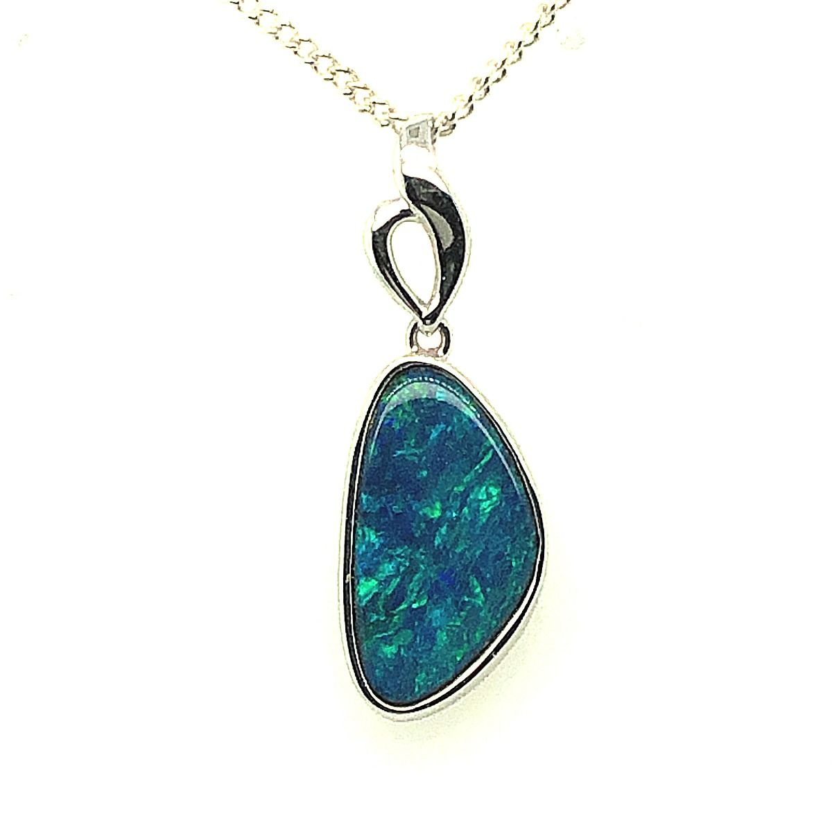 14ct White Gold Doublet Opal Pendant (15mmx8mm)